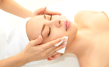 Fort Wayne Plastic Surgery offers treatments for skin beautification and healing.